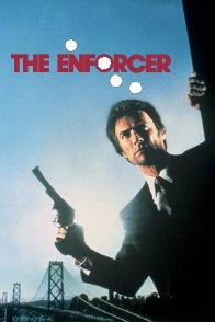 Affiche du film : L'inspecteur ne renonce jamais