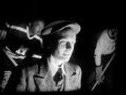 Photo du film : Et les laches s'agenouillent...