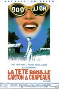 Affiche du film : La tete dans le carton a chapeaux