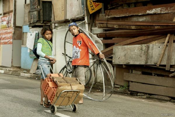 Photo du film : Les enfants invisibles