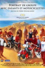 background picture for movie Portrait de groupe avec enfants et motocyclettes
