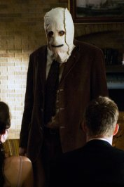 background picture for movie The strangers