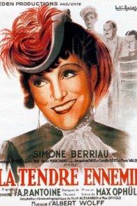 Affiche du film : La tendre ennemie