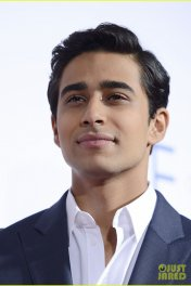 Suraj Sharma photo