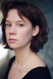 Chloe Pirrie photo