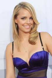 Jessica Barth photo