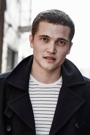 Karl Glusman photo