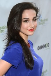 Molly Ephraim photo