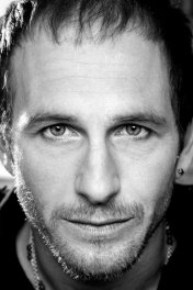 Paul Kaye photo