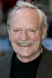 image de la star Julian Glover