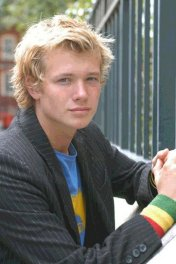 Edward Speleers photo