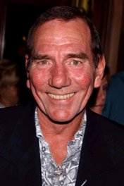 Pete Postlethwaite photo
