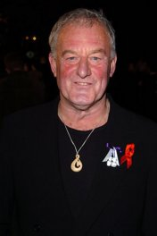 Bernard Hill photo