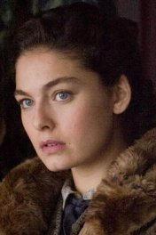 Alexa Davalos photo