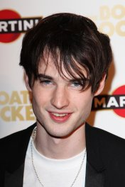Tom Sturridge photo