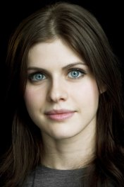 Alexandra Daddario photo