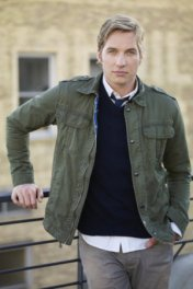 Ryan Hansen photo