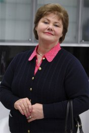 Annette Badland photo