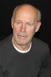 Geoffrey Lewis photo
