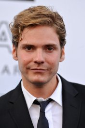 Daniel Brühl photo