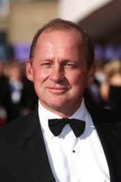 image de la star Peter Firth