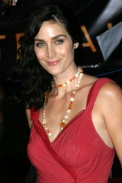 Carrie Anne Moss photo