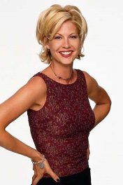 Jenna Elfman photo