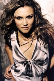 Samaire Armstrong photo
