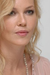 image de la star Connie Nielsen