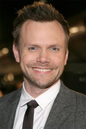 Joel McHale photo