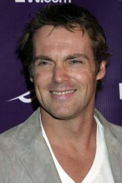 image de la star Michael Shanks