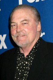 image de la star Stacy Keach