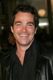 Jon Tenney photo