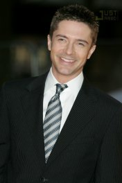 image de la star Topher Grace