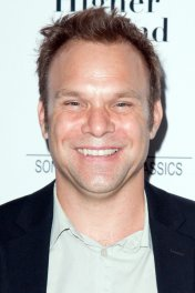 Norbert Leo Butz photo