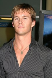 Ryan Kwanten photo