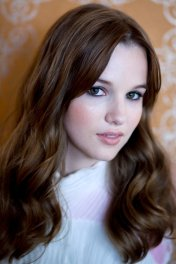 Kay Panabaker photo