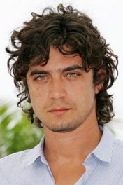 Riccardo Scamarcio photo