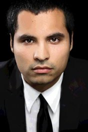 Michael Peña photo