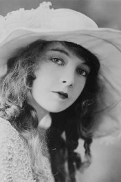 Lillian Gish photo