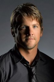 Zachary Knighton photo